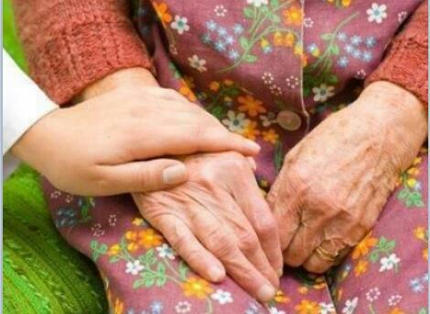 جدتي..... عندما تغيب الذكريات
